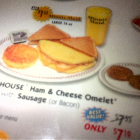 Photo taken at Waffle House by Brian H. on 9/12/2012