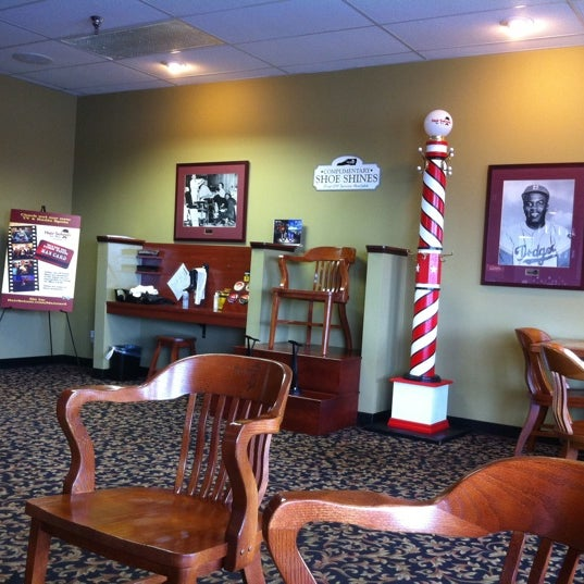 Hair saloon for men salon barbershop for The barbershop a hair salon for men