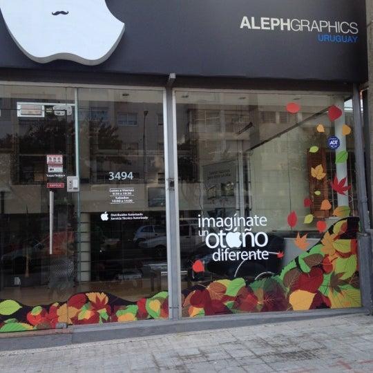 Foto tomada en Aleph Store por Pedro L. el 5/5/2012