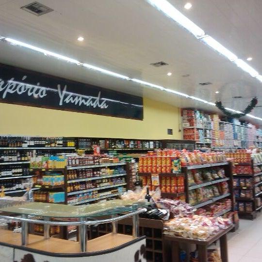 Photo taken at Yamada Plaza by José Stélio M. on 11/10/2011