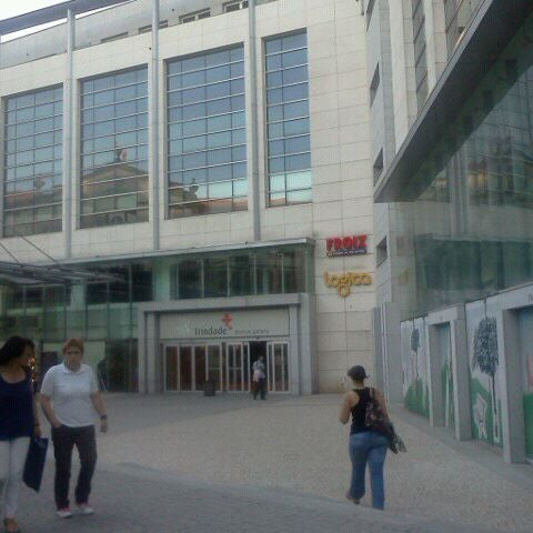 Foto tirada no(a) Centro Comercial Trindade Domus por Ana C. P. em 6/1/2011