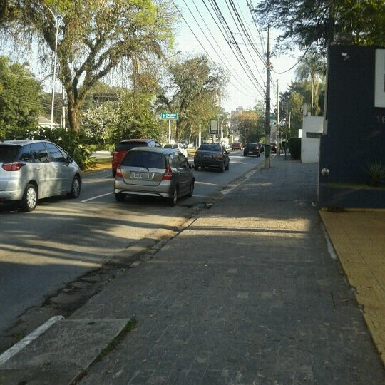 Photo taken at Avenida Brasil by Luan V. on 8/2/2012