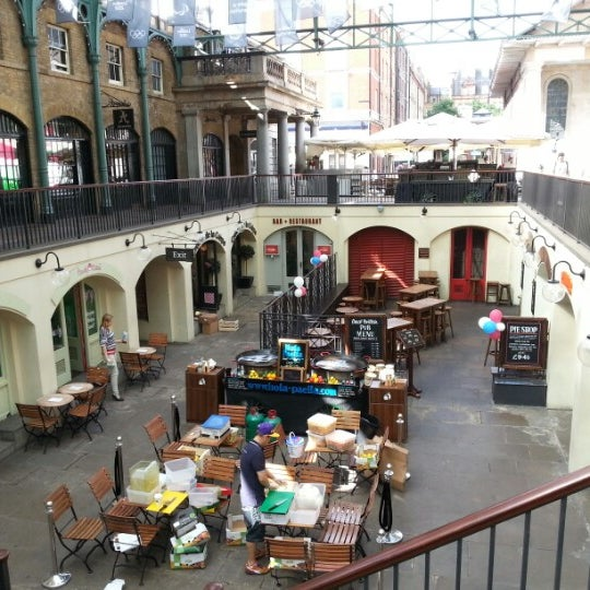 Photo taken at Covent Garden Market by Mi yeong L. on 7/19/2012