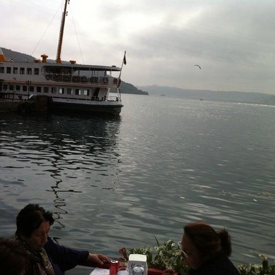 5/12/2012 tarihinde Okay G.ziyaretçi tarafından Çapari Restaurant'de çekilen fotoğraf