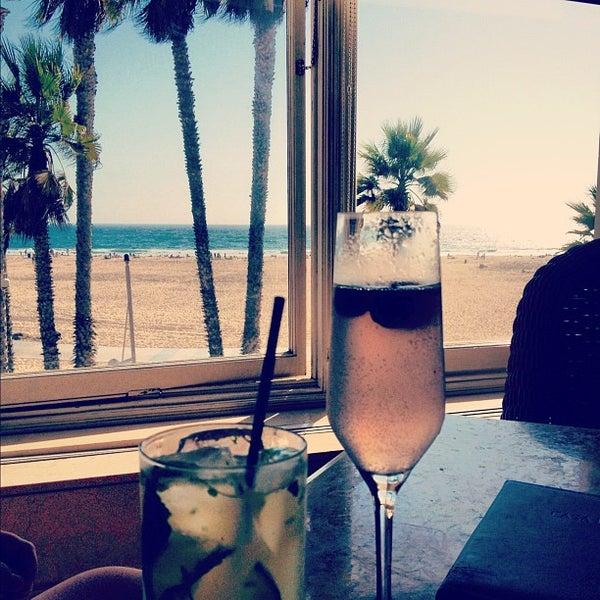 รูปภาพถ่ายที่ Casa Del Mar Hotel โดย Hannah เมื่อ 9/8/2012