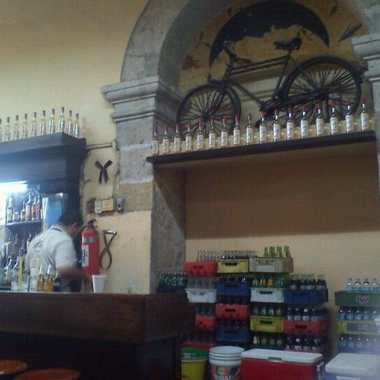 Foto tomada en Cantina La Fuente por Karla M. el 8/10/2012