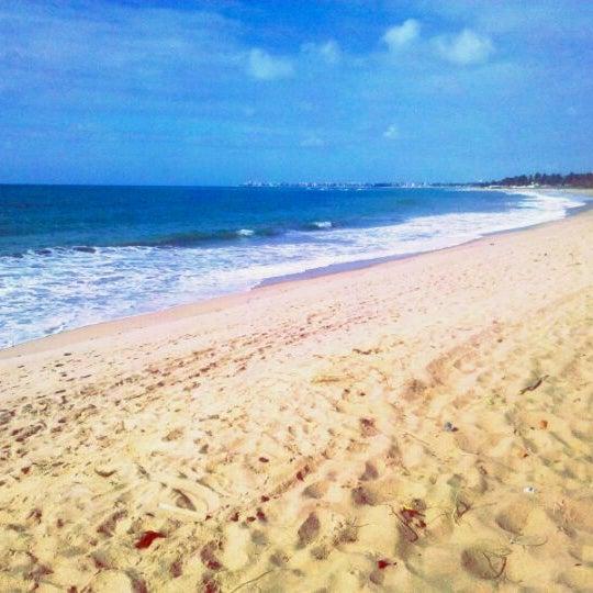 รูปภาพถ่ายที่ Praia de Guaxuma โดย Rafael P. เมื่อ 3/31/2012