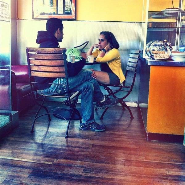 Foto scattata a Safeway da Evangeline B. il 2/24/2012