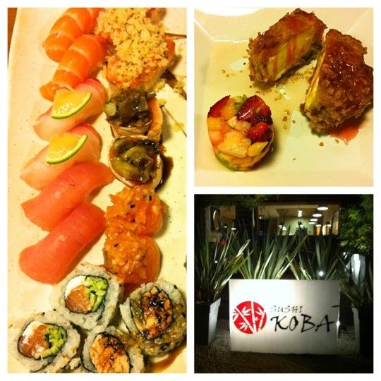 Foto tirada no(a) Sushi Koba por Watabe J. em 11/16/2011