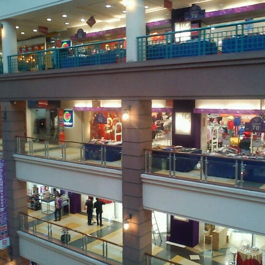 Photo taken at Galeria Mall by Dian D. on 1/4/2012