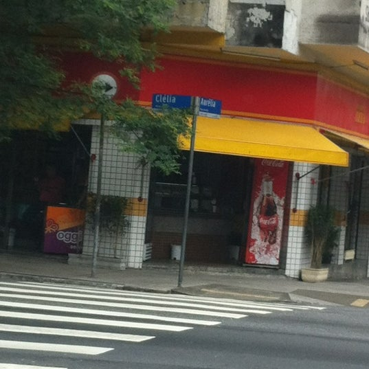 Photo taken at Rua Clélia by Orlando B. on 1/19/2012