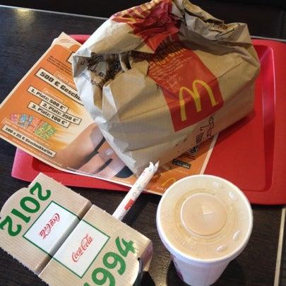 Das Foto wurde bei McDonald's von Julia K. am 8/3/2012 aufgenommen