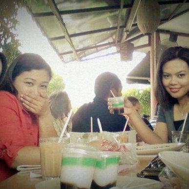 Photo taken at Restoran Sambal Hijau by Shu Qi on 3/14/2012