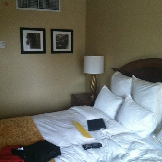 Photo taken at Bethesda Marriott by Wes M. on 9/5/2011
