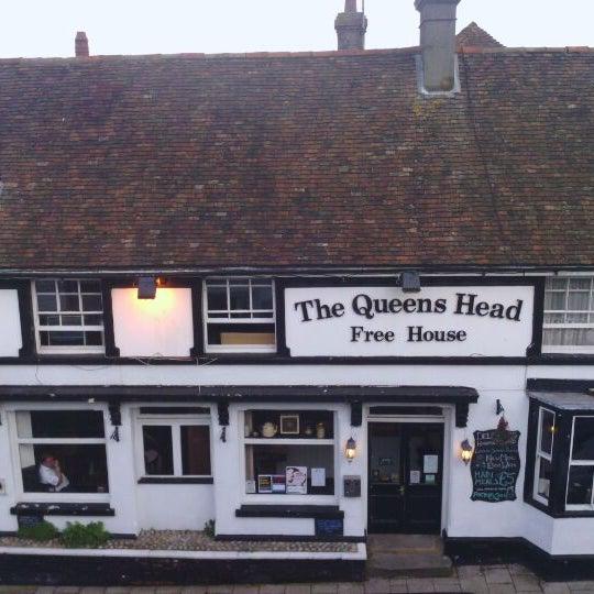 the queen 39 s head inn pub. Black Bedroom Furniture Sets. Home Design Ideas