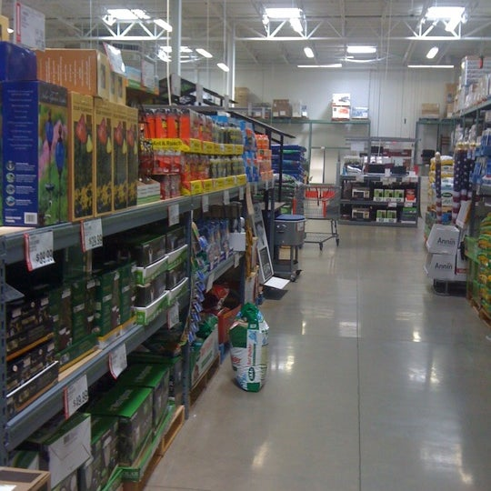 Photo taken at BJ's Wholesale Club by Kristofer S. on 4/30/2012