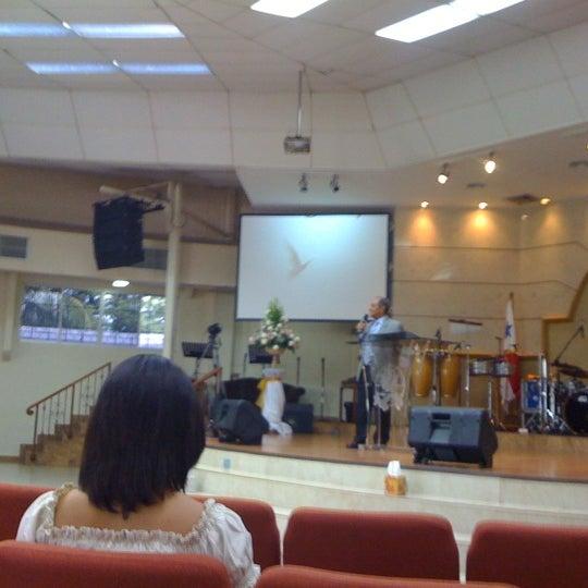 Foto diambil di Casa de Oración Cristiana oleh Ameth V. pada 7/1/2012