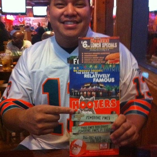 Photo taken at Hooters by Steven R. on 9/9/2011