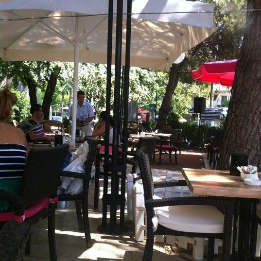 8/23/2012 tarihinde Pinarimsiziyaretçi tarafından LimonH₂O Cafe Bistro'de çekilen fotoğraf
