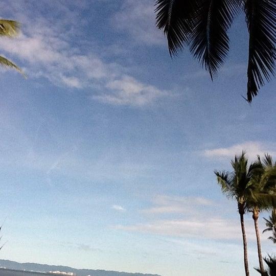 Foto tomada en Emperador Hotel & Suites por Liney C. el 10/13/2011