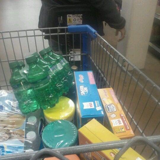 Снимок сделан в Walmart Supercenter пользователем Sean B. 4/10/2012