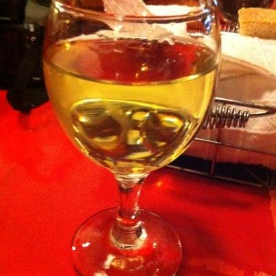 8/28/2012 tarihinde Mari S.ziyaretçi tarafından Ada Cafe'de çekilen fotoğraf