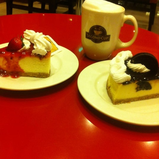 Photo taken at Second Cup by argwan M. on 8/26/2012