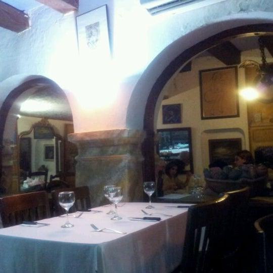 Foto tomada en Donde Olano Restaurante por Camila B. el 4/28/2012
