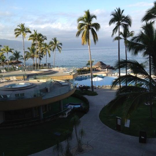 Foto tomada en Sunset Plaza Beach Resort & Spa por Ashley S. el 3/20/2012