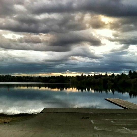 Photo taken at Green Lake Boathouse by Erik B. on 8/28/2012