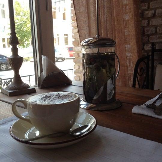 Снимок сделан в Cafeletto пользователем Tatyana A. 8/6/2012
