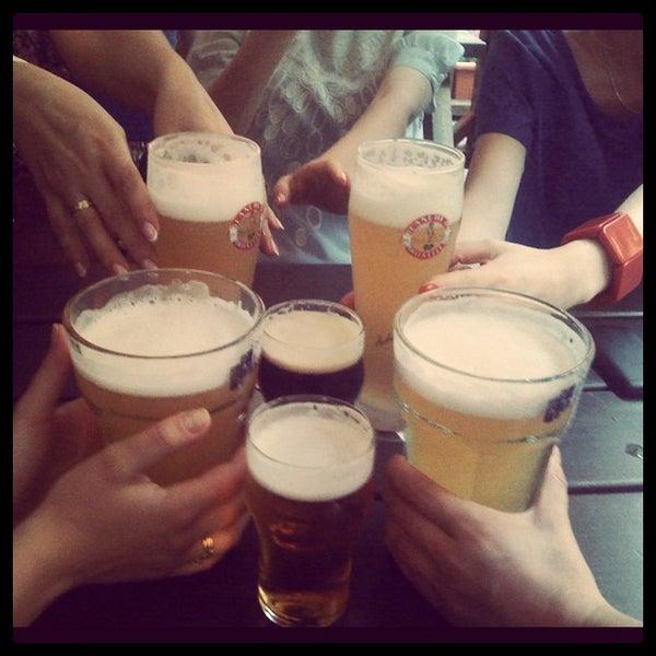 Снимок сделан в Beer Point пользователем Chiara A. 6/12/2012