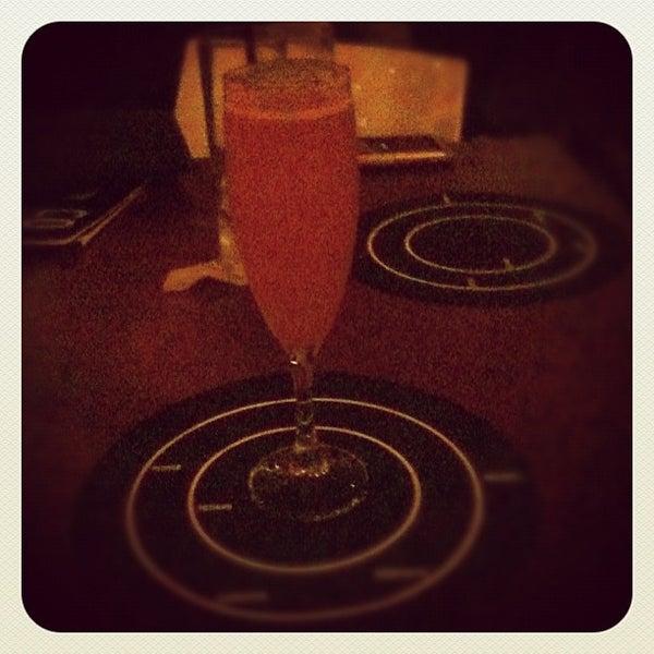 Foto tirada no(a) Meza Bar por Mariana S. em 2/23/2012