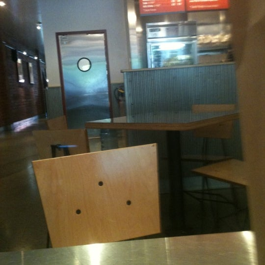 Photo taken at Chipotle Mexican Grill by Marco P. on 8/7/2011