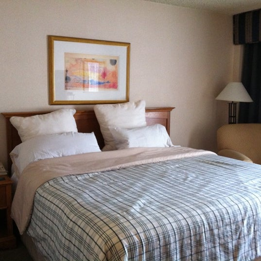 Photo taken at Four Points by Sheraton Los Angeles International Airport by Beth V. on 11/6/2011
