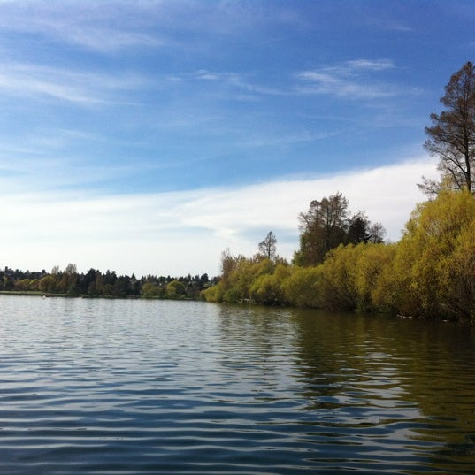 Photo taken at Green Lake Boathouse by Daisy S. on 4/21/2012