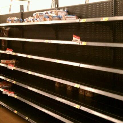 Снимок сделан в Walmart Supercenter пользователем Heather C. 8/28/2011