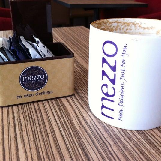 Photo taken at Mezzo by Koy C. on 2/24/2012