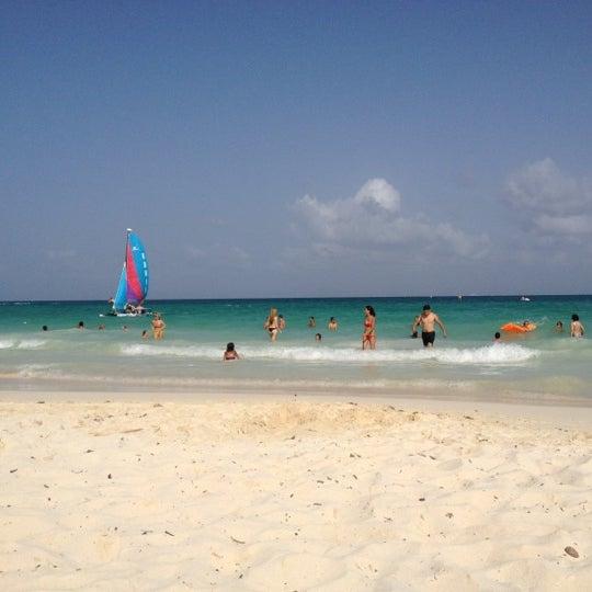 Foto tomada en Kool Beach Club por Janet N. el 6/30/2012