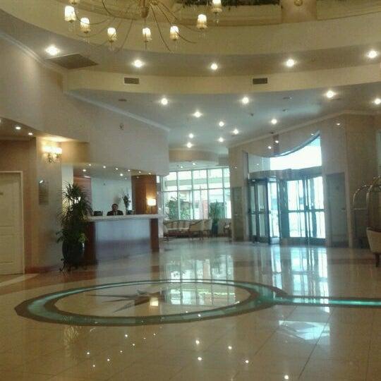 Foto tomada en InterTower Hotel por Romina M. el 11/11/2011