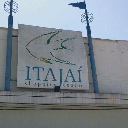 Foto tirada no(a) Itajaí Shopping Center por Tim M. em 10/20/2011
