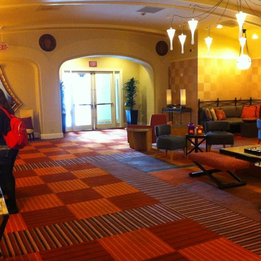 Photo taken at Harbor Court Hotel by Lucas M. on 7/5/2012