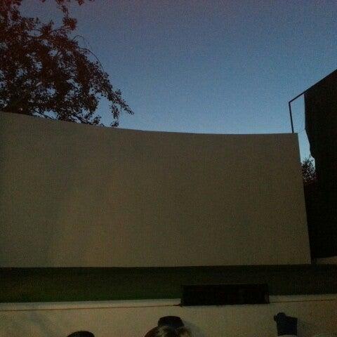 Foto tomada en Cinema Los Vergeles por Manuel C. el 7/17/2012