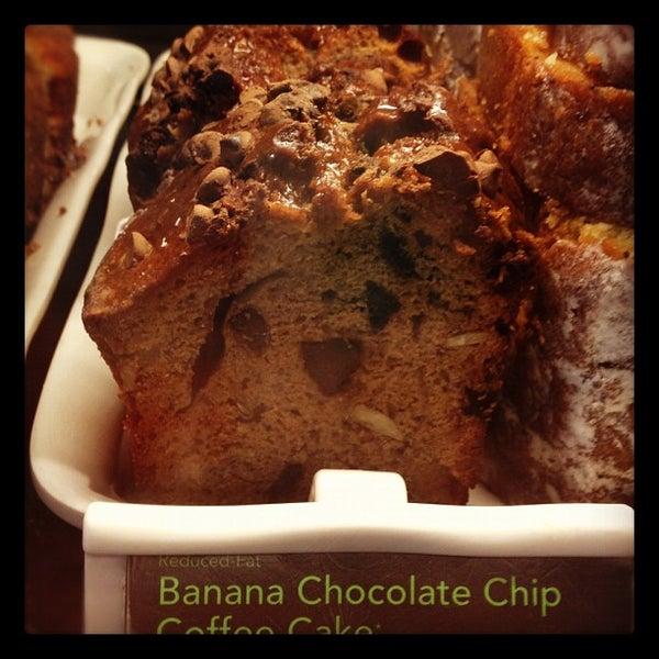 รูปภาพถ่ายที่ Starbucks โดย Lorraine S. เมื่อ 7/13/2012