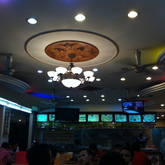 Photo taken at Restoran Al-Naz Maju by Affendy N. on 9/9/2011