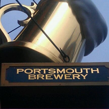 Photo taken at Portsmouth Brewery by Joshua M. on 8/27/2011