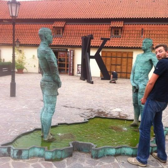 8/16/2012 tarihinde Сергей Г.ziyaretçi tarafından Franz Kafka Museum'de çekilen fotoğraf