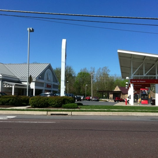 Food Places In Wyomissing Pa