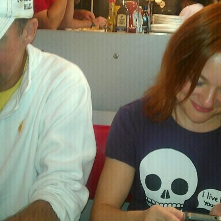 Photo taken at Waffle House by Apollo T. on 10/16/2011