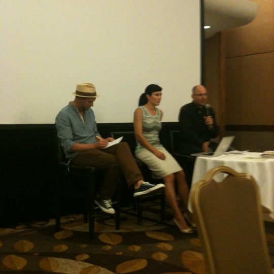 Photo taken at DoubleTree by Hilton Hotel Portland by Melissa S. on 8/18/2012